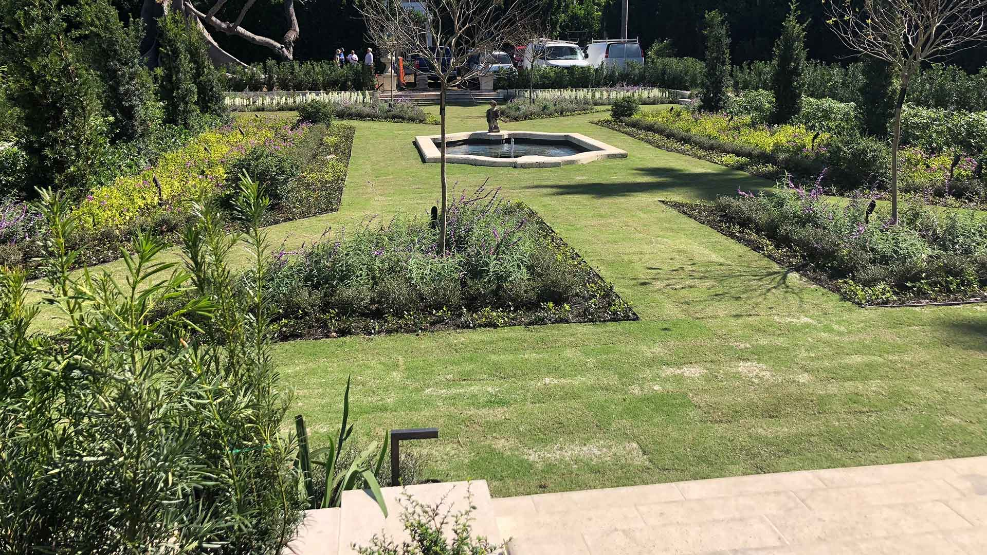 Installing Beautiful Custom Landscapes For Luxury Residential And  Commercial Properties Is What Weu0027re Experts At Here At Greenscape Design.