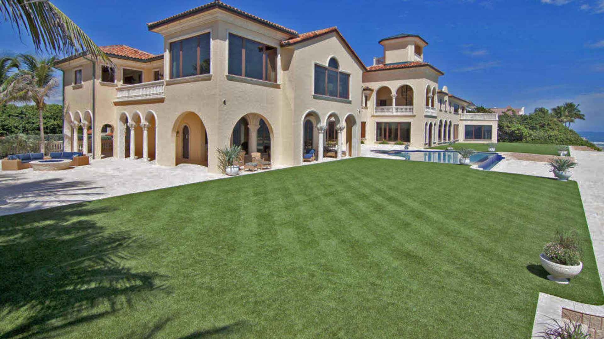 Large estate in Palm Beach, FL with grounds maintenance by Greenscape Design.
